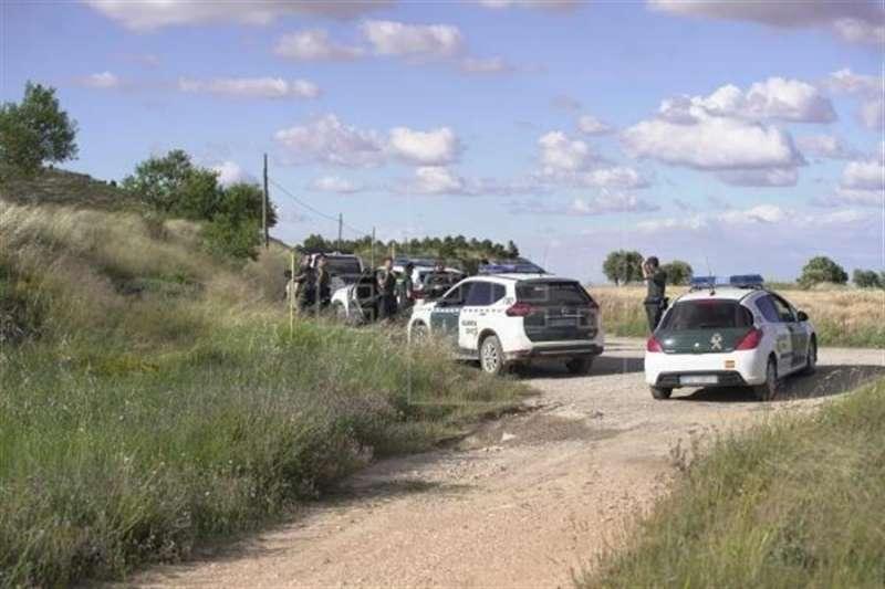 Momento de la búsqueda y detención del conocido como Rambo de Requena. EFE/Antonio García/Archivo