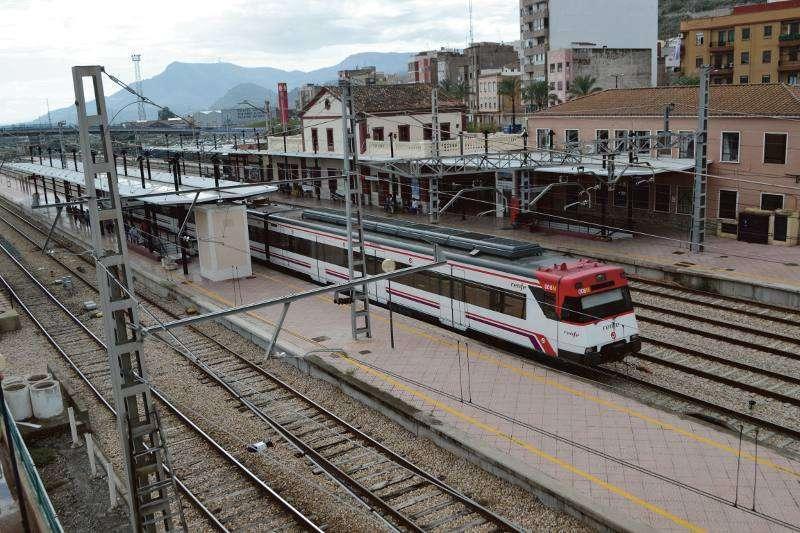 Tren de la línea de Teruel en la estación de Sagunt. EPDA