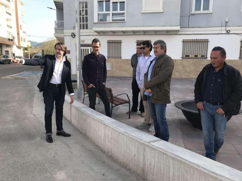 El diputat de Medi Ambient, Josep Bort, ha visitat el municipi de La Serrania acompanyat per l