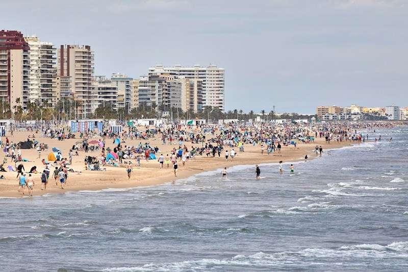 Imagen de archivo de la playa de Gandía. EFE