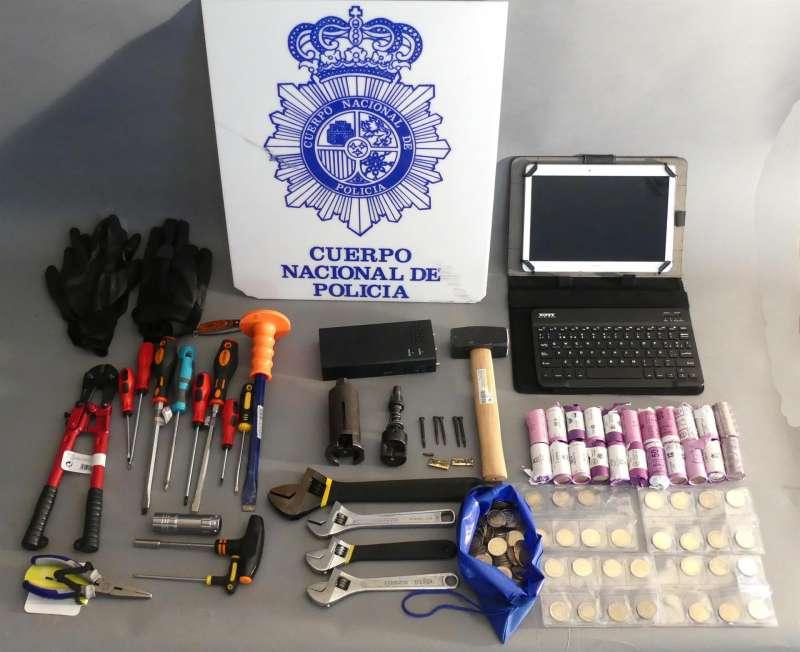 Material utilizado por la pareja en sus robos, en una imagen compartida por la Policía Nacional.