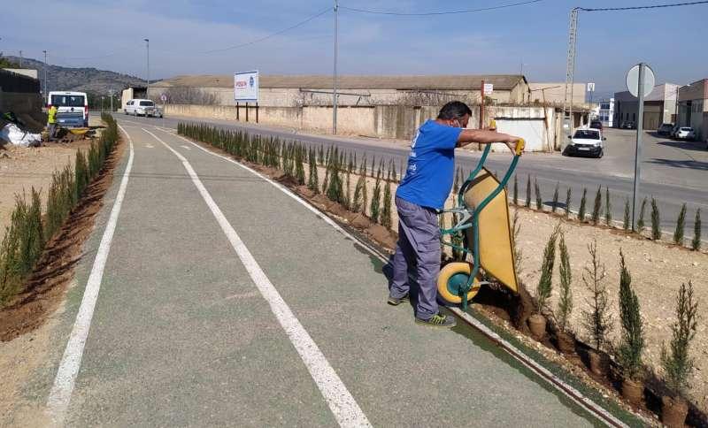 Trabajos en la entrada a Benaguasil por la calle Retorta. / EPDA