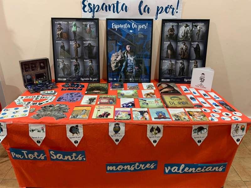 La biblioteca de Faura ha volgut iniciar el mes de novembre recordant les criatures valencianes vinculades amb la por,