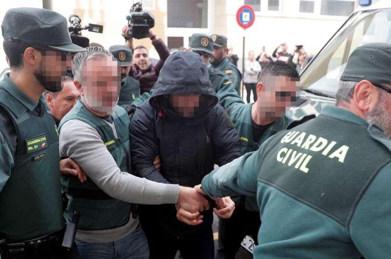 El sospechoso de la muerte de Marta Calvo, Jorge Ignacio P.J, el pasado 6 de diciembre a su llegada al Juzgado de Alzira (Valencia). EFE
