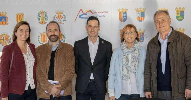 Visita de Bielsa (en el centre) a la Mancomunitat. / EPDA