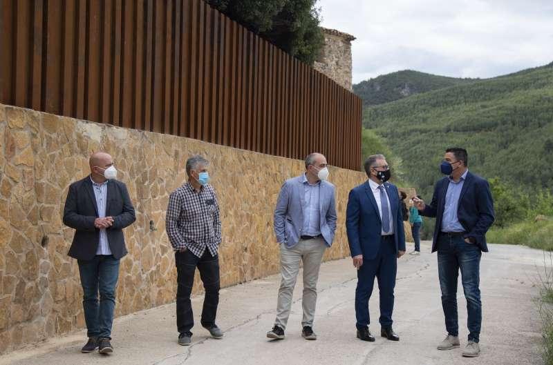 Martí con el alcalde de Fuentes de Ayódar Jordi Lucena