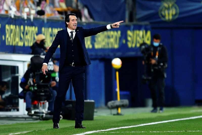 El técnico del Villarreal, Unai Emery, durante el encuentro correspondiente a la ida de la semifinal de la Liga Europa del pasado jueves frente al Arsenal en el estadio de La Cerámica. EFE / Domenech Castelló.