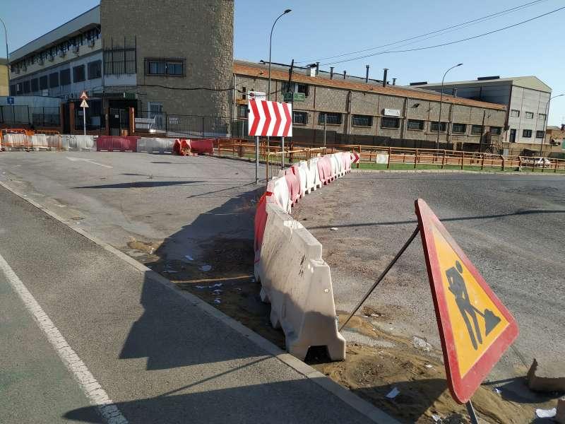Paso superior cortado en Fuente del Jarro. EPDA