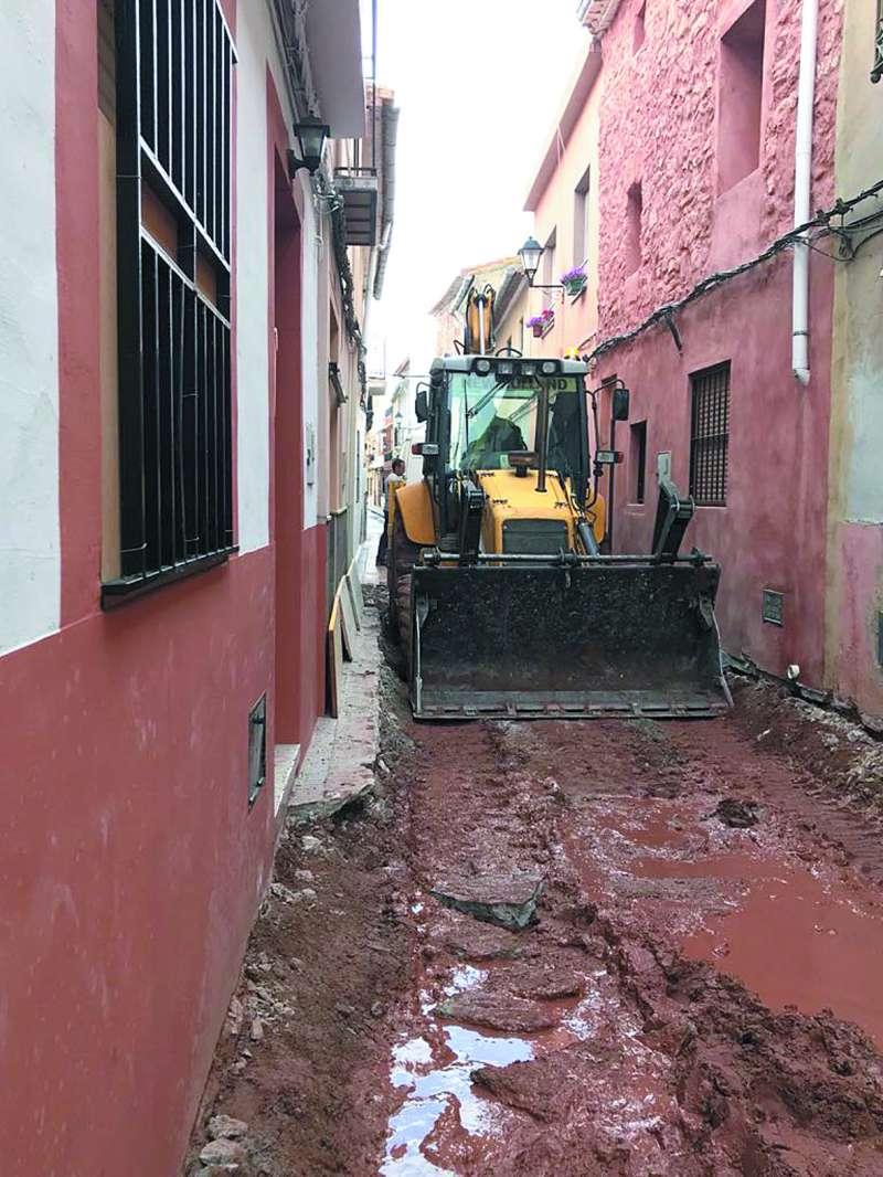 Obras en la calle Major de Benifairó. EPDA
