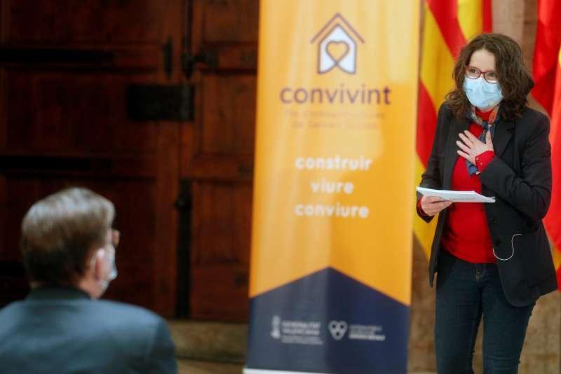 La vicepresidenta y consellera de Igualdad y Políticas Inclusivas, Mónica Oltra, interviene durante la presentación del Plan