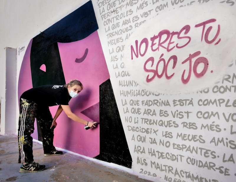 Mural realizado con motivo de la campaña del 25N. EPDA