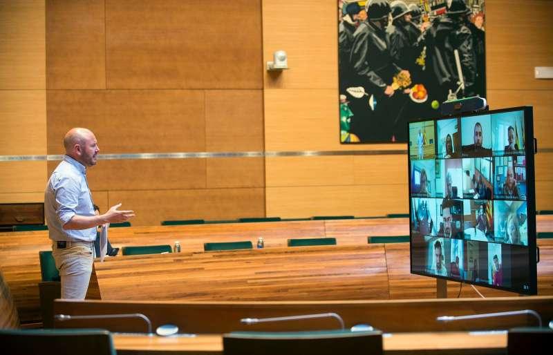 Reunión de Toni Gaspar con los alcaldes y alcaldesas de Camp del Turia.