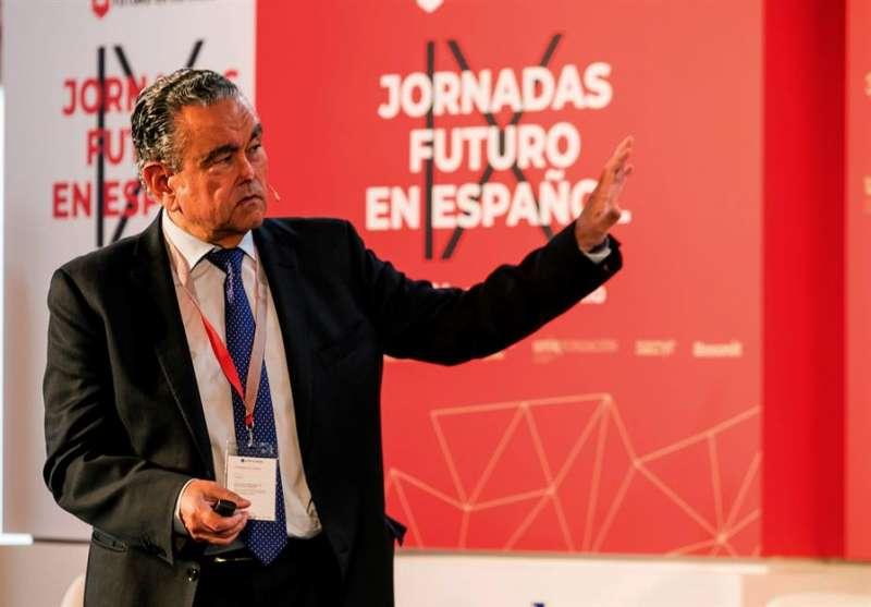 El economista ha redactado el libro blanco sobre inteligencia artificial en España, Andrés Pedreño. EFE/ Fernando Díaz