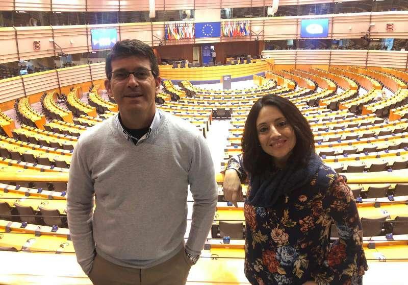 L?alcalde d?Ontinyent i la regidora d?Innovació Territorial i 1ª tinent d?alcalde en Brusel·les. EPDA