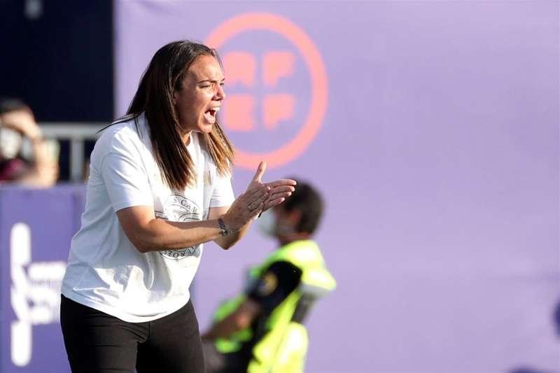 La entrenadora del Levante María Pry. EFE