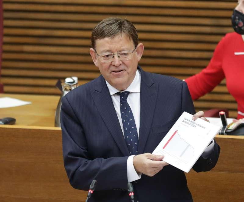Ximo Puig durante el debate en Les Corts.