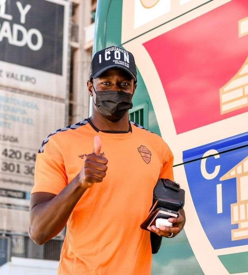 El jugador del Elche CF Mfulu, en una imagen compartida por él en redes sociales.