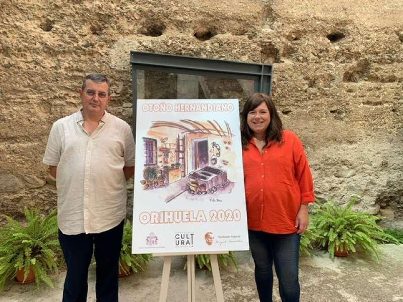 Ezcurra y Larrabide con el cartel anunciador