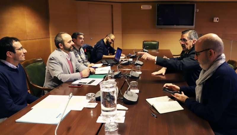 En la reunión en la corporación provincial participan responsables de Carreteras, Divalterra, Delegación del Gobierno y la Agencia Valenciana de Seguridad y Respuesta a las Emergencias. EPDA