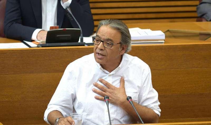 El portavoz socialista, Manolo Mata.
