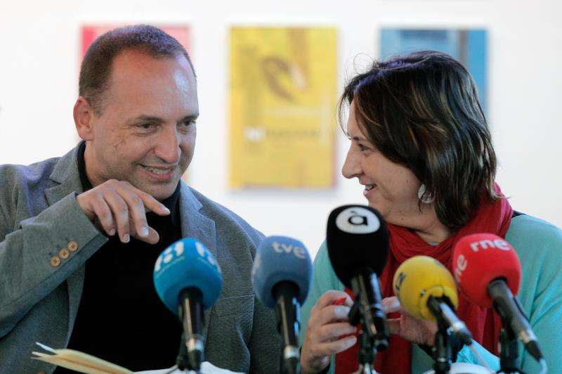El candidato de Unides Podem-Esquerra Unida a la Presidencia de la Generalitat, Rubén Martínez Dalmau, y la número dos de su candidatura, Rosa Pérez Garijo. EFE/Archivo