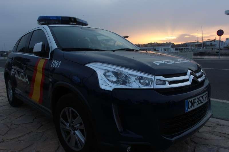 Vehículo de la Policía Nacional en Valencia.