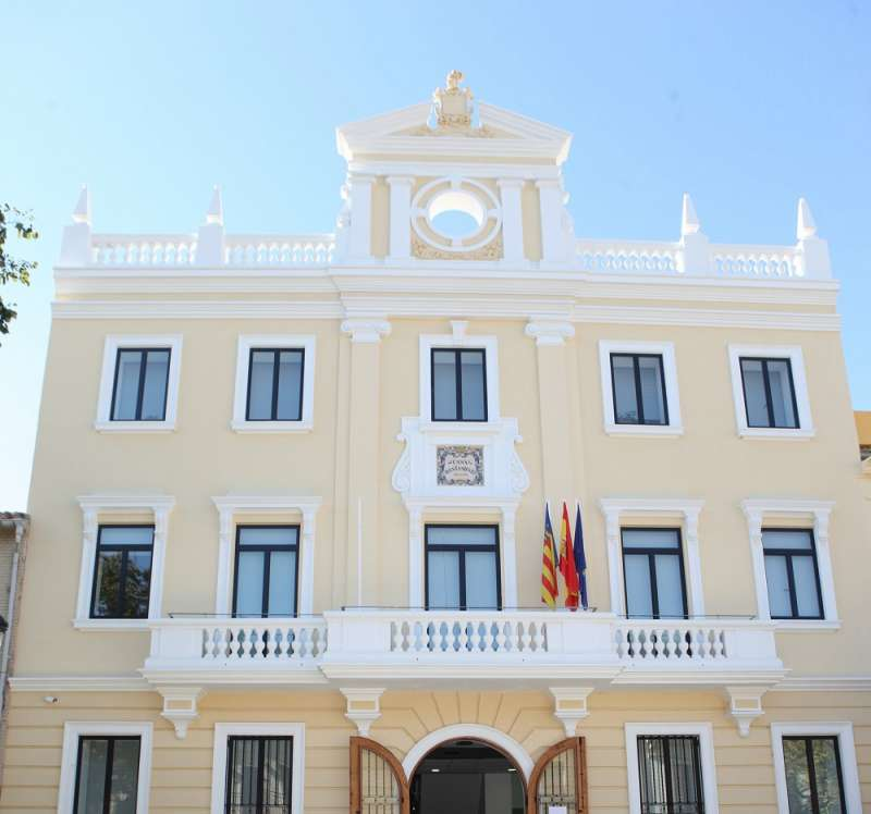 Fachada del ayuntamiento de Godella. EPDA