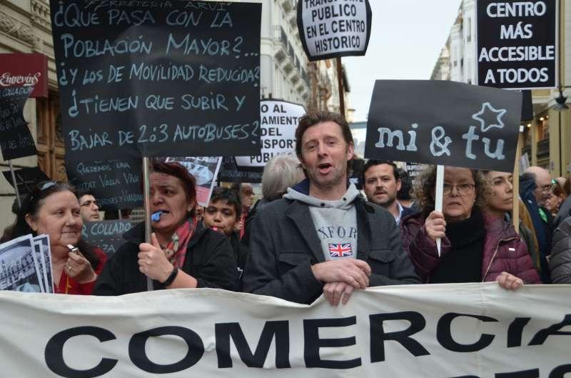 Más manifestantes. EPDA