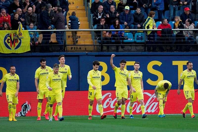 Los jugadores del Villarreal celebran el gol del delantero Gerard Moreno (4d) ante el Leganés. EFE