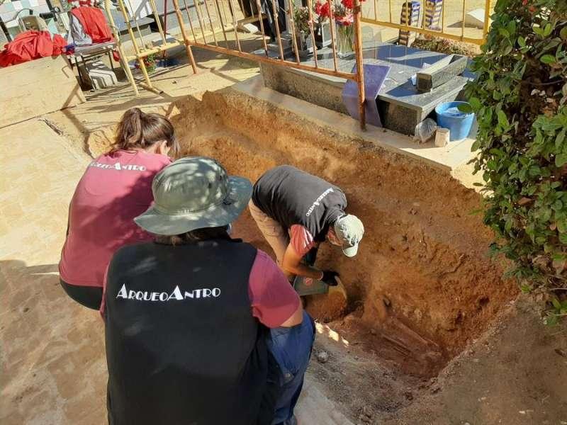 Trabajos de excavación y exhumación en la Fosa 73-B Paterna, en una imagen facilitada por los impulsores de la iniciativa.