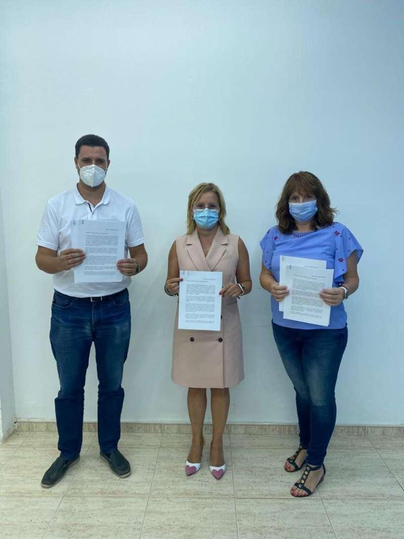 Carta conjunta enviada a Sanidad y Educación