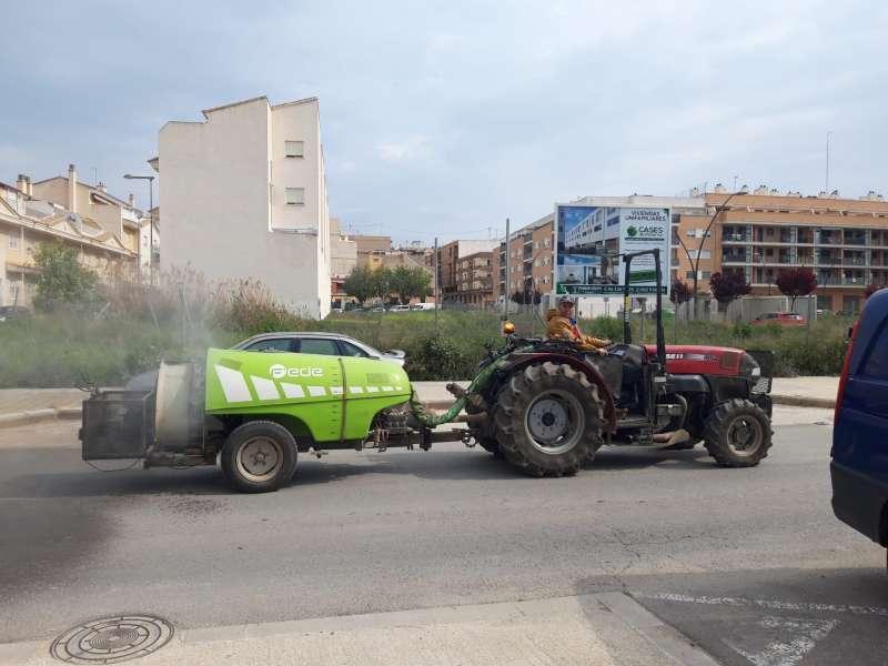 Los agricultores participan en la limpieza en Paterna. EPDA