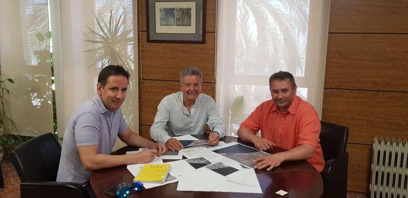 Ruiz, Andreu y Claramunt, en la reunión. / epda