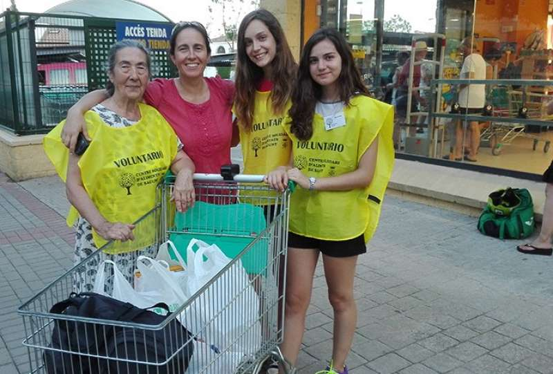 Voluntarias en la campaña de navidad del Centro Solidario de Alimentos de Sagunto. EPDA