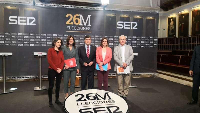 Fernando Giner de Ciudadanos con el resto de candidatos a la alcaldía de València