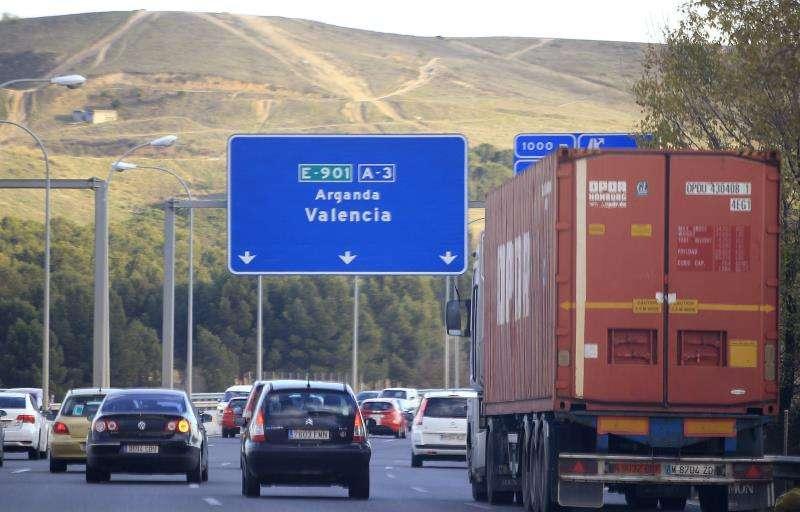 sta de una carretera con tráfico fluido. EFE/Archivo