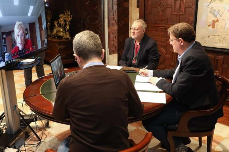 Videoconferencia con la consellera de Sanidad