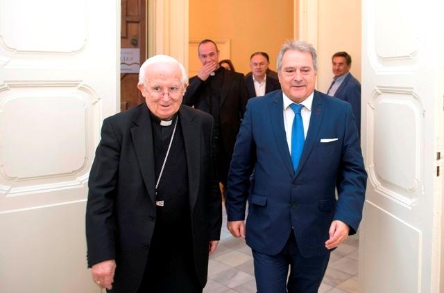 Visita del Arzobispo de Valencia. FOTO: DIVAL