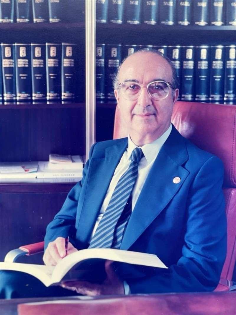 Imagen del doctor José Fornes Ruiz facilitada por la familia.