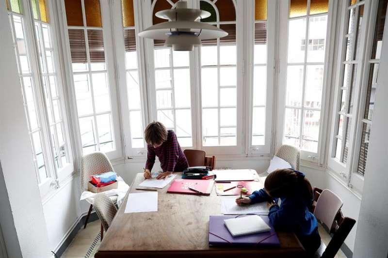 El recreo en casa: animadores que alumbran y rescatan la creatividad infantil