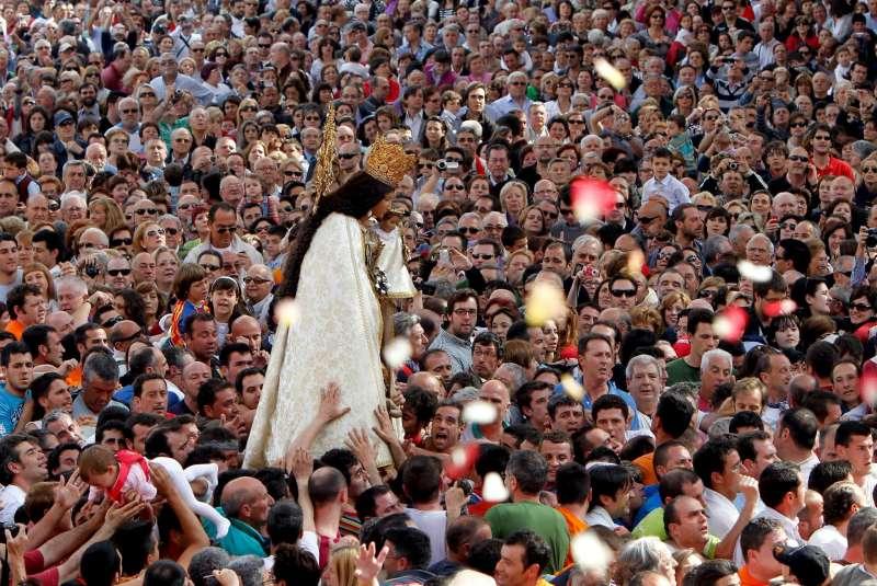 Traslado de la Virgen de los Desamparados, Patrona de Valencia. EFE