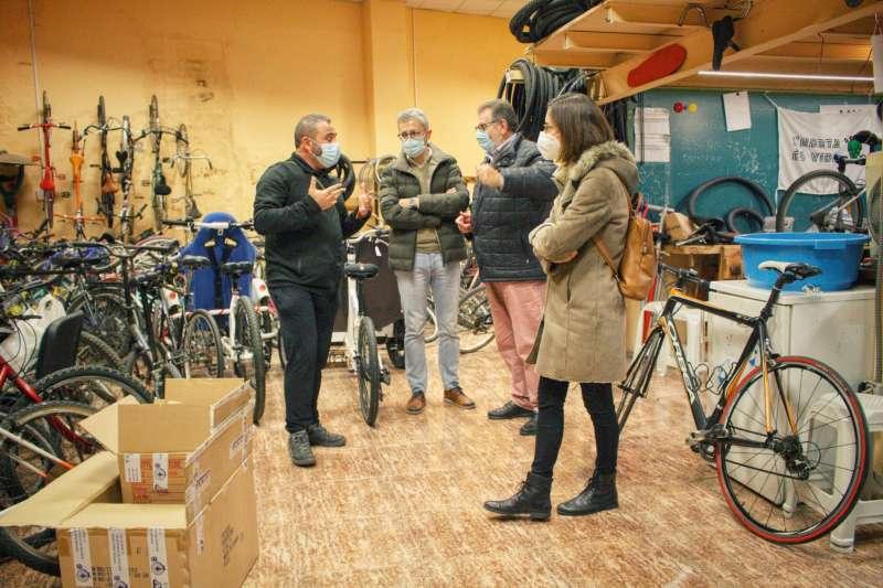 El conseller de Política Territorial, Obras Públicas y Movilidad, Arcadi España, ha mantenido este martes una reunión con el alcalde de Torrent, Jesús Ros.
