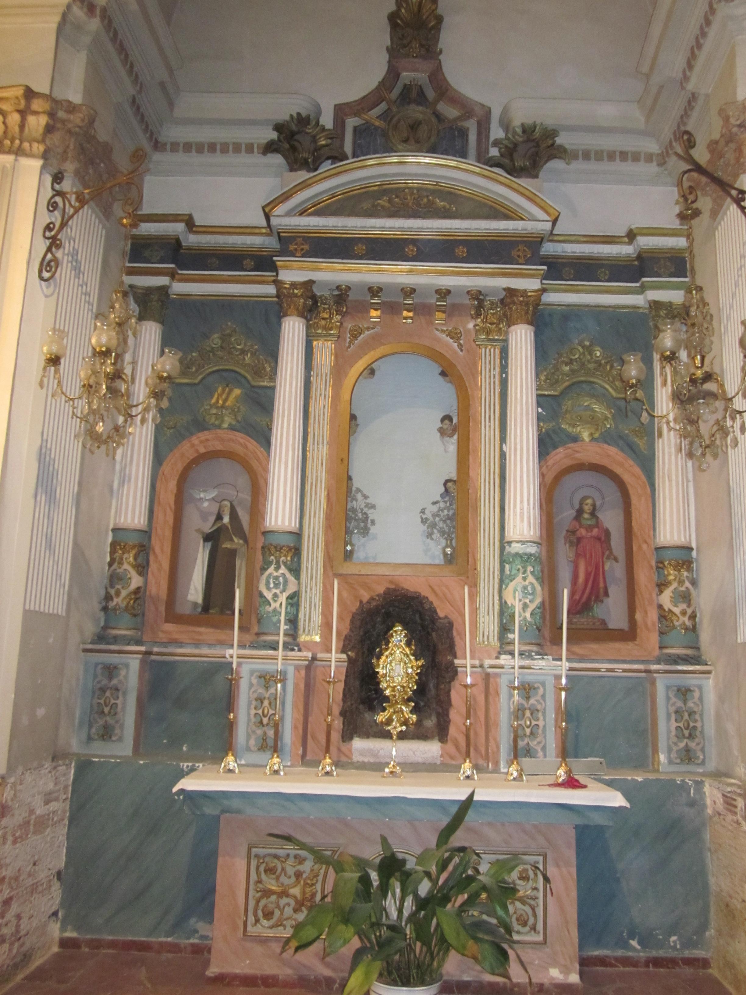 Altar de la Inmaculada, en Alcublas, antes de la rehabilitación. FOTO: DIVAL