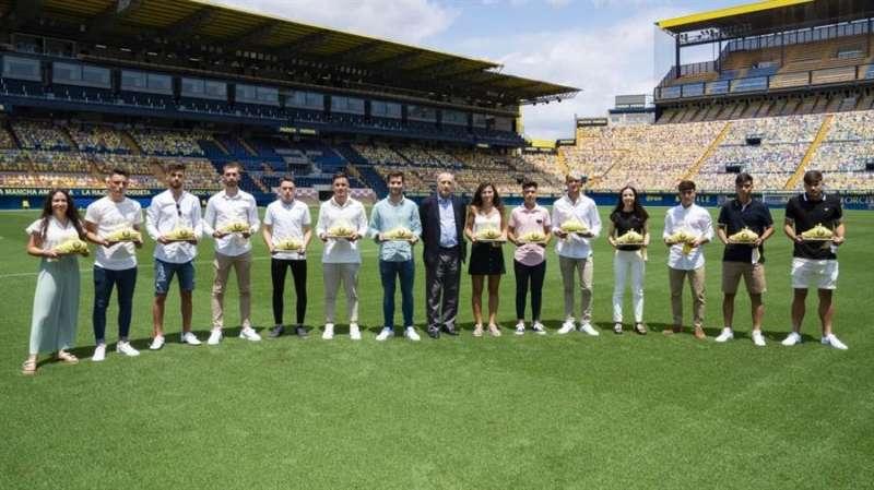 Momento del homenaje, en una imagen oficial del Villarreal CF.