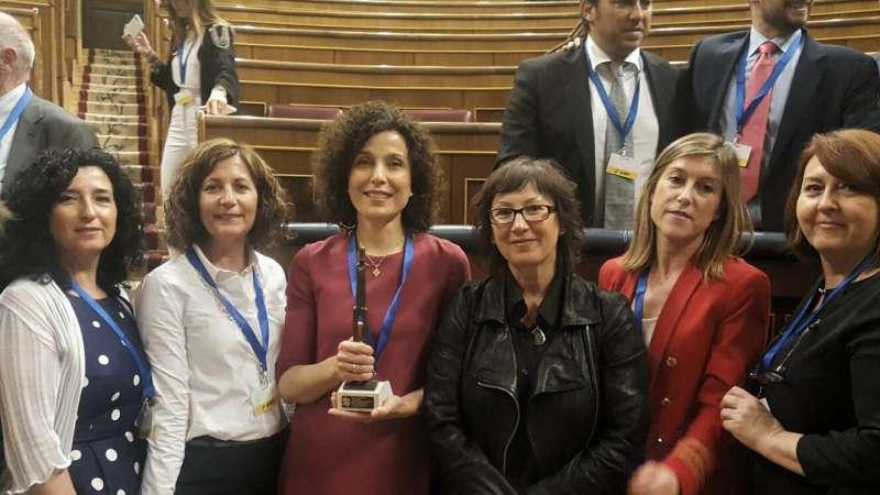 El departamento de Salud de Elda en el acto de la entrega del premio.