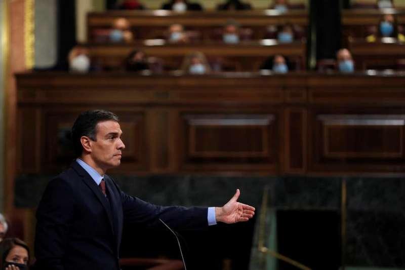 El presidente del Gobierno, Pedro Sánchez, durante su intervención en el pleno del Congreso de este miércoles. EFE