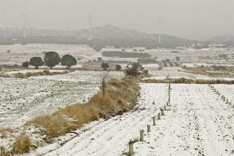 Paisaje de la comarca del Alto Palancia cubierta de nieve, en una imagen de archivo. EFE/Domenech Castelló/Archivo