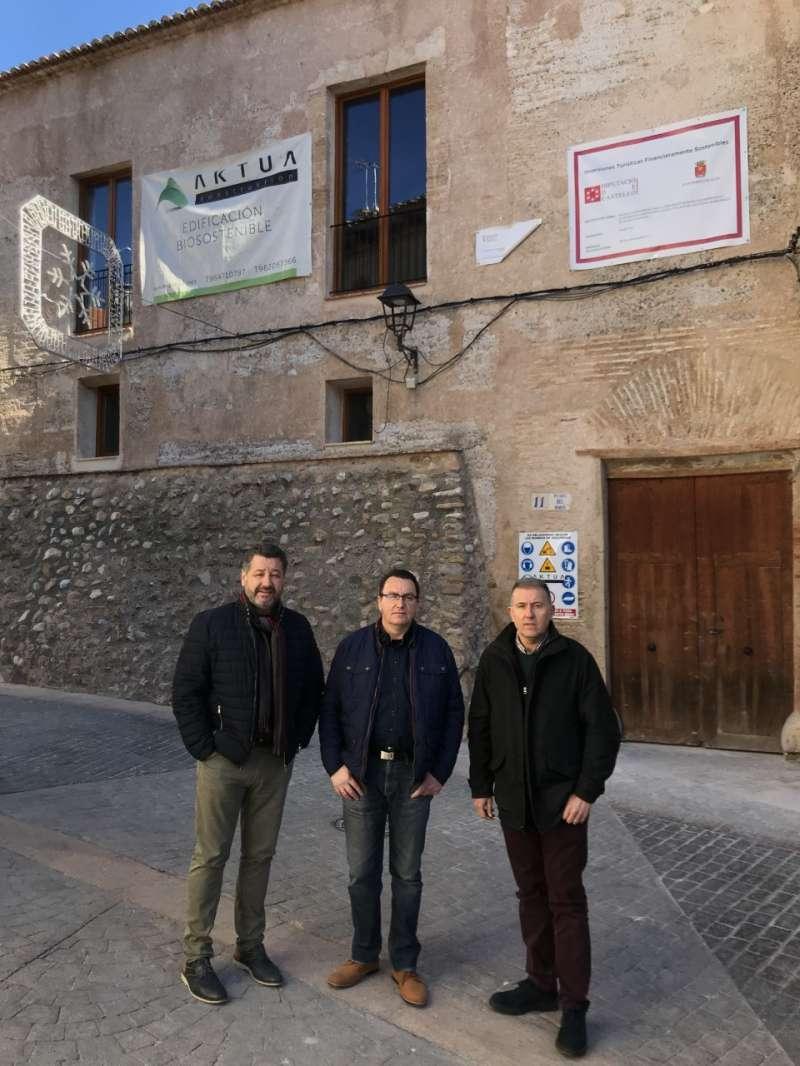 Cases, Santamaría y Sales en la visita al palacio