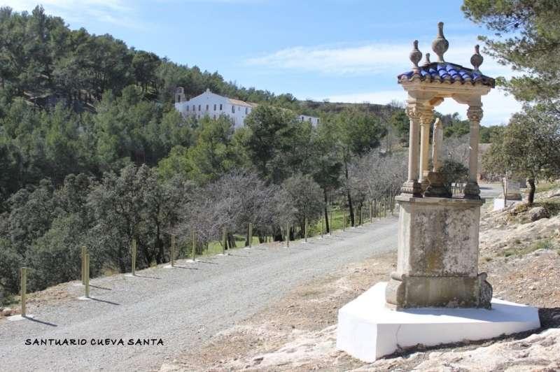 Camino de la Cruz en el santuario