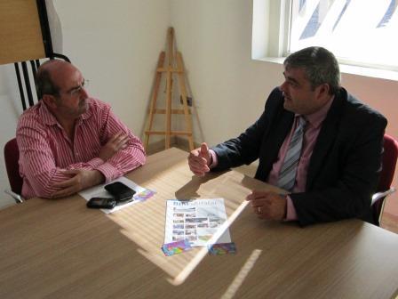 El Gerente se reunió también con el Regidor de Comerç para estudiar posibles colaboraciones en materia de empleo y emprendedurismo. Foto: EPDA.